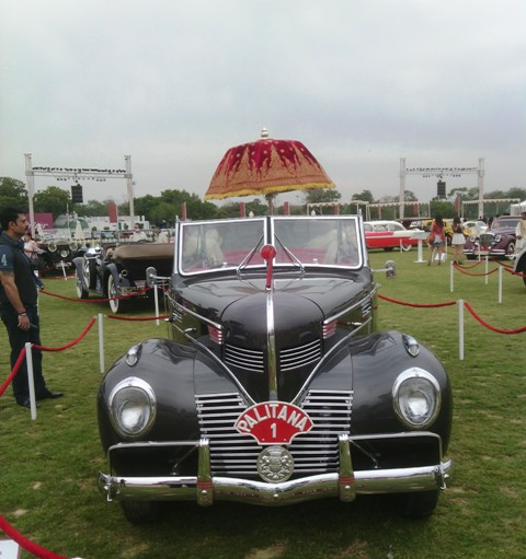 Vintage cars at Cartier Travel with style