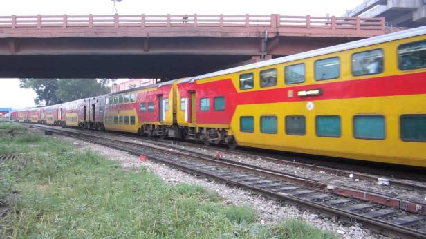 Double decker  train from jaipur to delhi