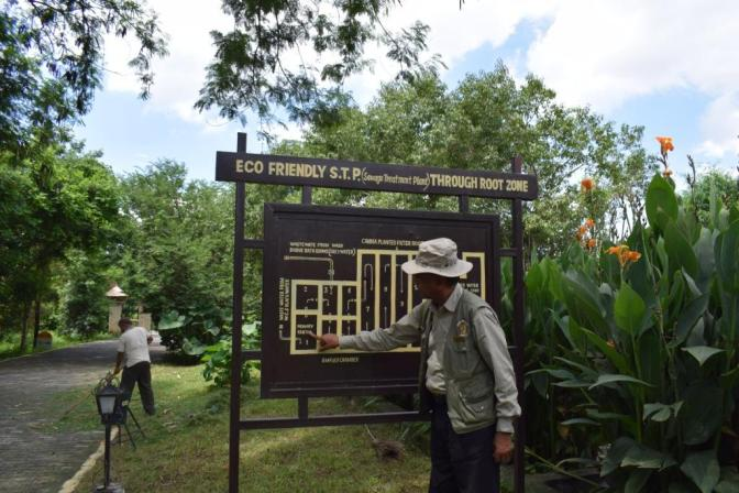 Naturalist Ramesh Barlow explains about the sewage treatment plant, Aahana The Corbett Wilderness, Ramnagar, Uttarakhand, India