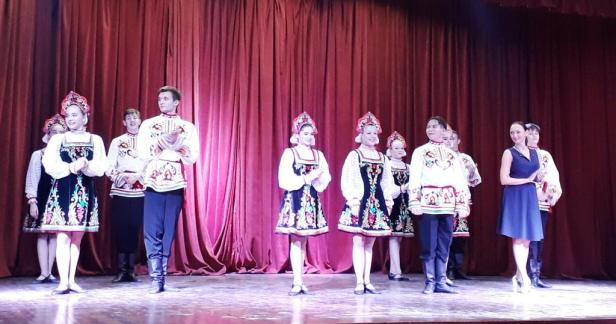 Children's Russian Folk Dance Group Kalinka performed at Russian Centre of Science and Culture, Delhi, India, along with Choreographer and Artistic director Natalya Levitskaya-Filippova
