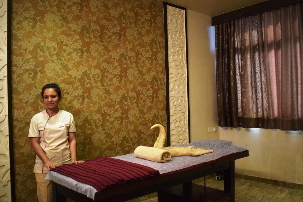 Therapy room at Nimba Nature Cure, Gujarat, India
