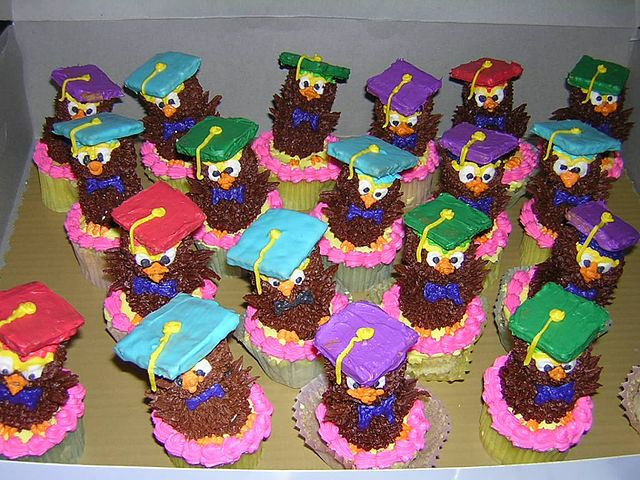 Cupcakes made for a graduation party, photo By Gandydancer - Own work, CC BY-SA 3.0, https://commons.wikimedia.org/w/index.php?curid=24752193