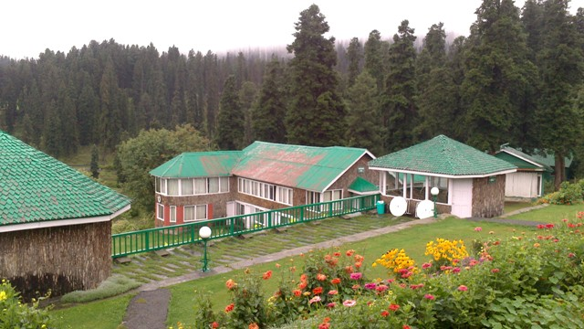 Hotel Highland Park and its stunning views, Gulmarg, Kashmir, India